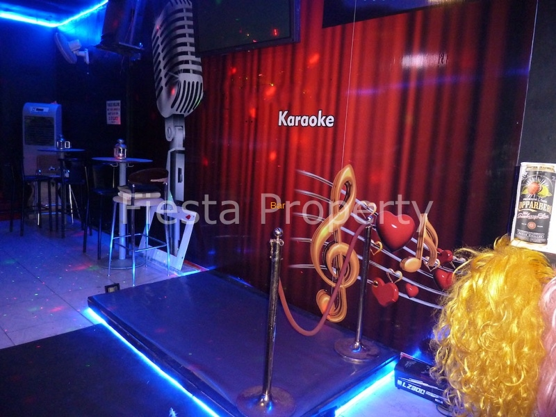 Freehold Karaoke Music Bar For Sale In Benalmadena, Malaga
