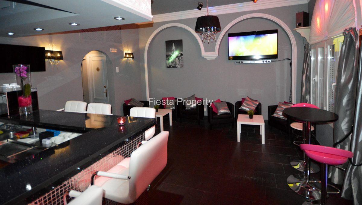 Arcos bar interior 1